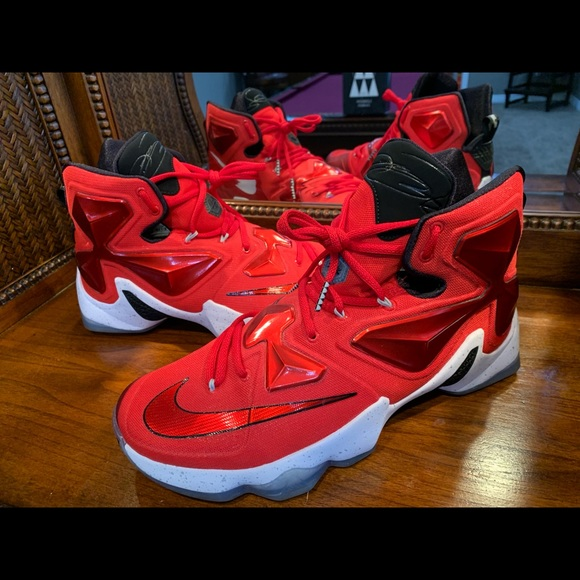 differently 484c3 9cf54 🔥 Nike LeBron 13 XIII Red 🔥